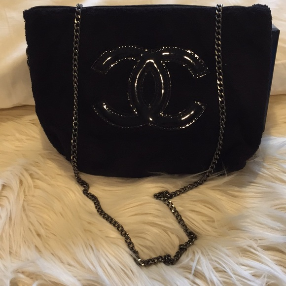 CHANEL Bags   Salevip Beauty Precision Bag   Poshmark fcf9e0de21